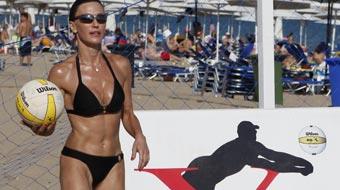 Βίκυ Χατζηβασιλείου, Sexy, μαγιό, beach volley 1