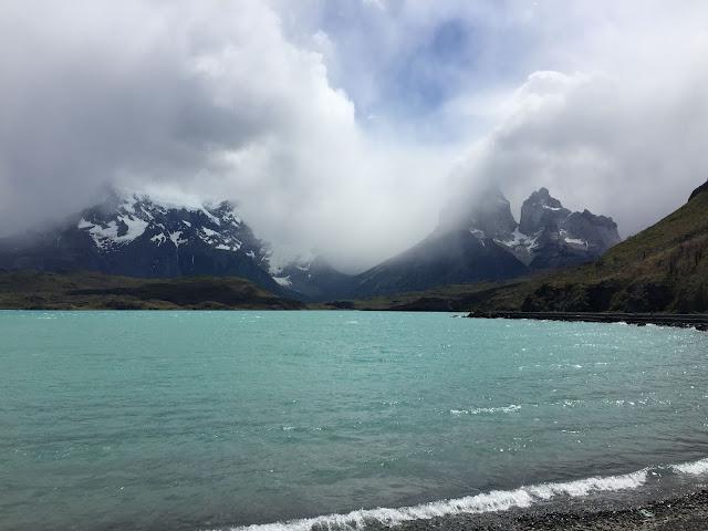 Cuernos del Paine desde la Hostería Pehoé