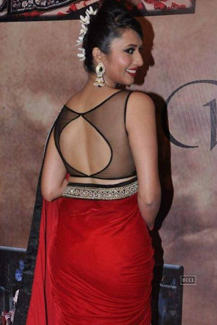 Divyanka Tripathi Unseen  Profile    Backless Blouse Huge Round  of Divyanka Tripathi