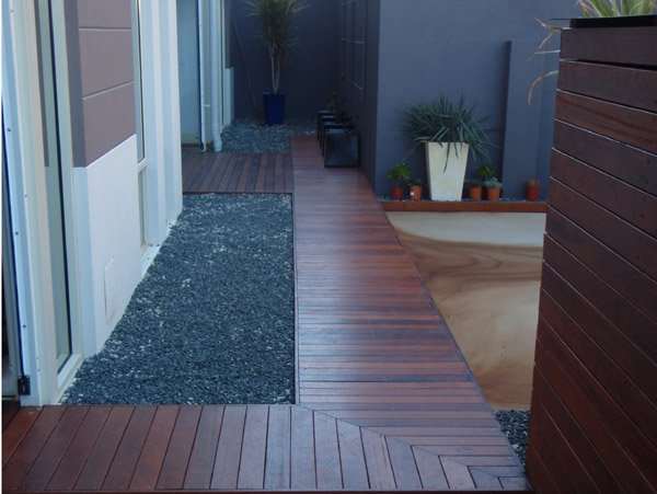 lantai decking kayu merbau