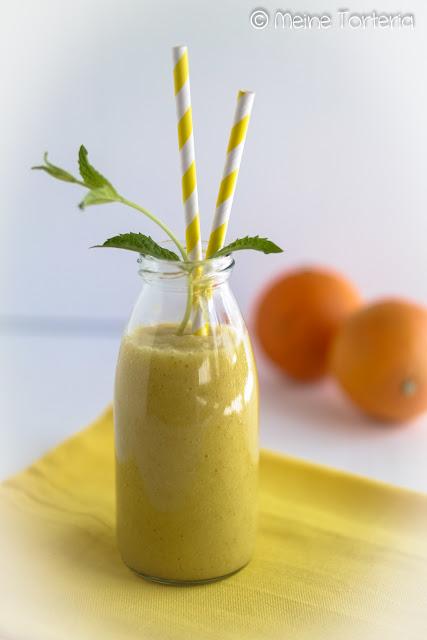 Orangen-Birnen-Smoothie mit Minze