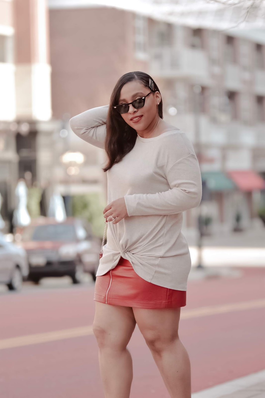 Spring fashion, spring outfit ideas, streetstyle, mom bloggers, fashionable moms, lookbookstore