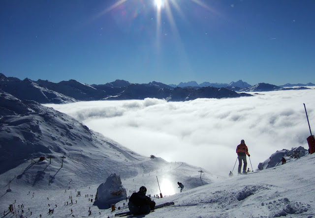 Snow sure skiing in Val Thorens, France