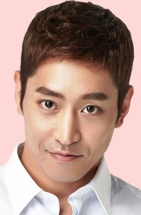 Biodata Eric Moon pemeran Park Do-Kyung