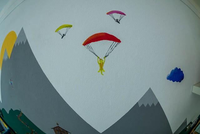 Fallschirmspringen Babyzimmer