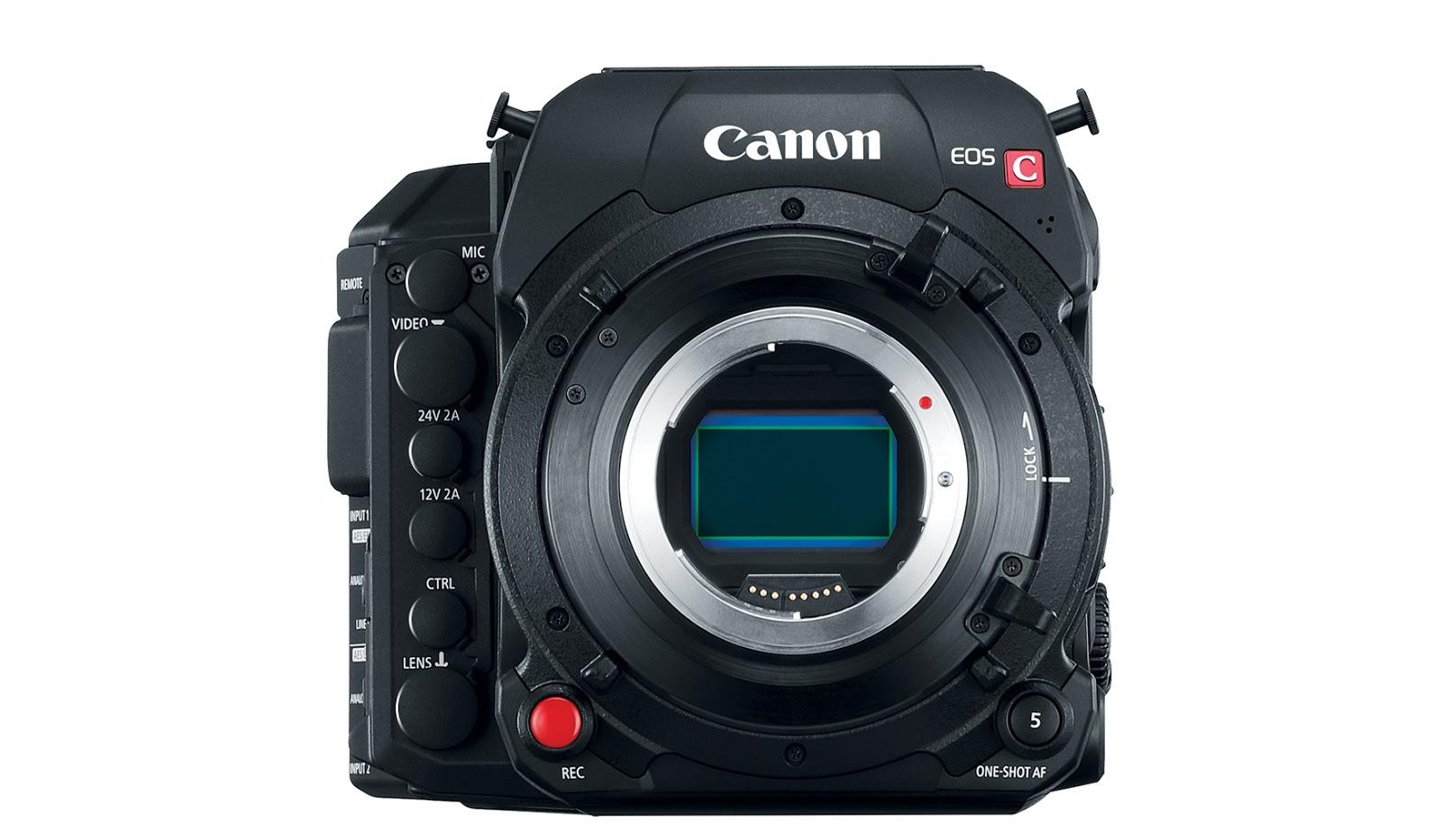 Canon C700 FF, вид спереди