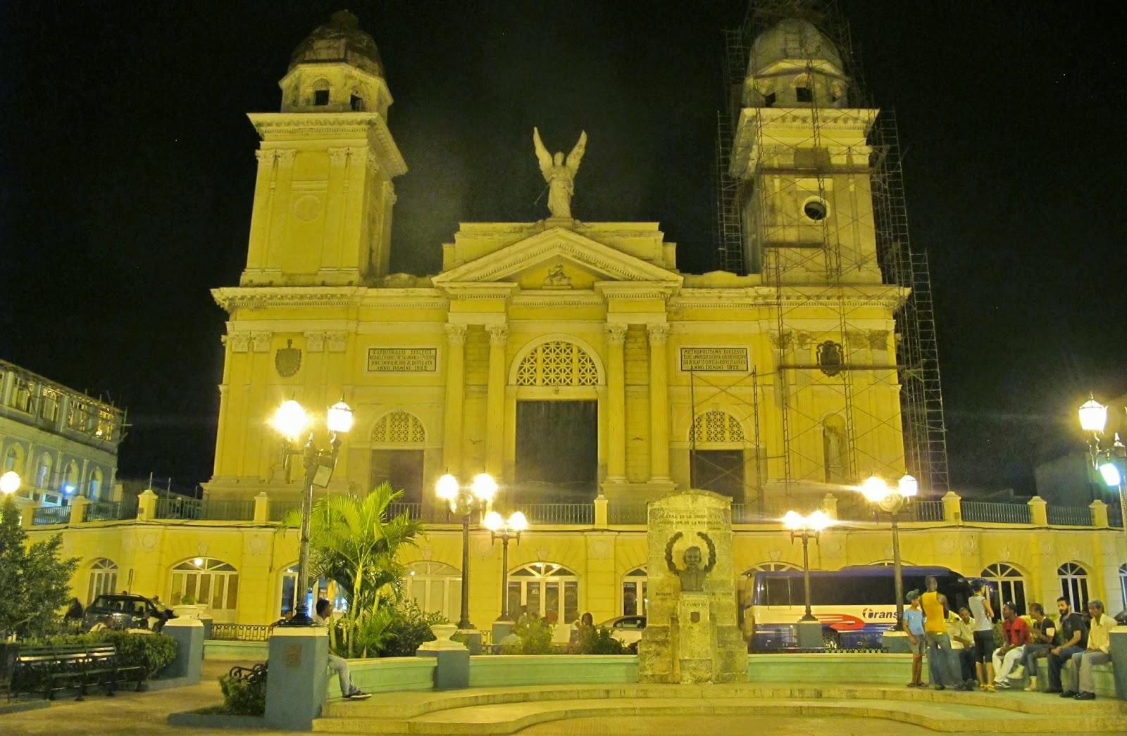 Desencantos em Santiago de Cuba: Catedral fechada para reformas