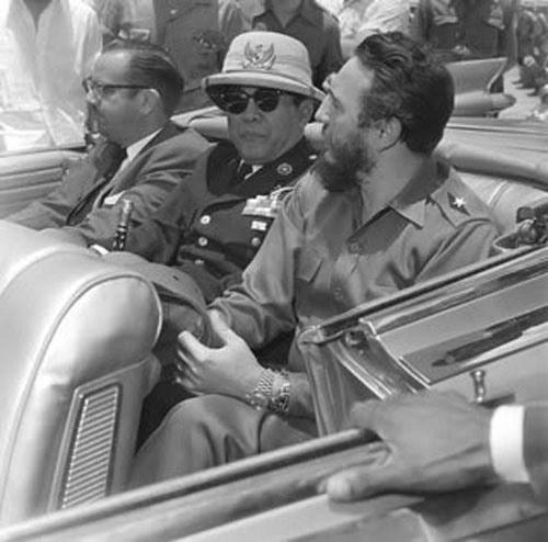 """Kisah lucu Soekarno part II """"Soekarno Dikejutkan Ulah Polisi"""""""