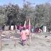 ये मौसम की मार हमेशा गरीबो पर ही पड़ती है अब देखिये ना पछवा हवा सुरु हुआ आग लगी और चार परिवार बेघर हो गए