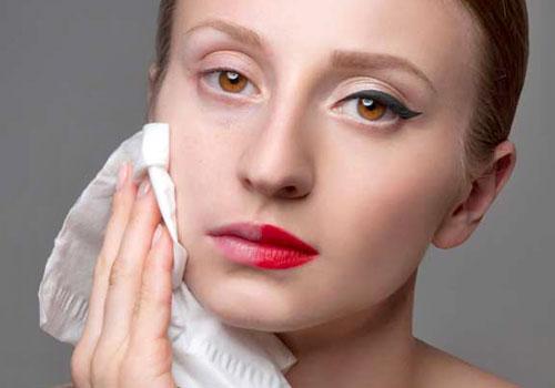 No limpiar el rostro antes del tratamiento facial