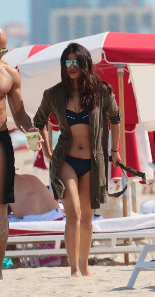 Priyanka Chopra Hot Bikini Photos At Miami Beach