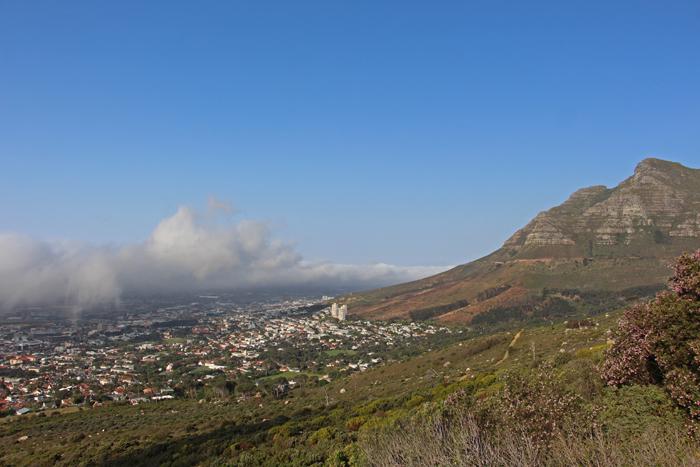 Wolkendecke am Tafelberg, Südafrika