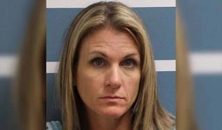 Μητέρα έκανε σeξ με δύο ανήλικα αγόρια που έκλεψε από τις κόρες της