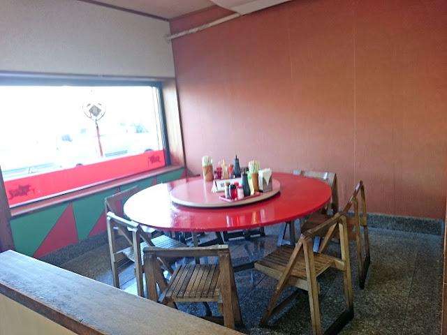 中華食堂 ドラゴン みどり町店の店内の写真