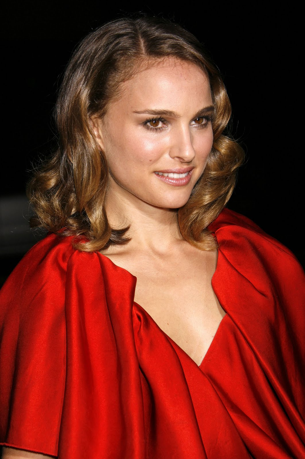 a new life hartz: Natalie Portman in Different Hairstyle Look