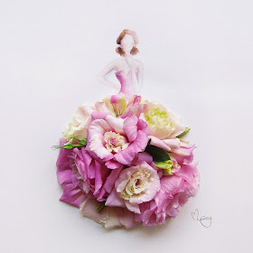 14-Lim-Zhi-Wei-Limzy-Paintings-using-Flower-Petals-www-designstack-co