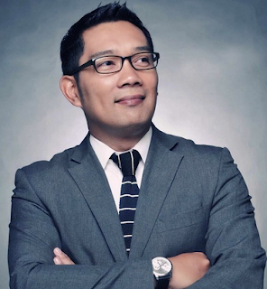 Apa yang kita pikirkan ketika mendengar nama Ridwan Kamil  Kata Kata Bijak Ridwan Kamil yang Lucu dan Memotivasi
