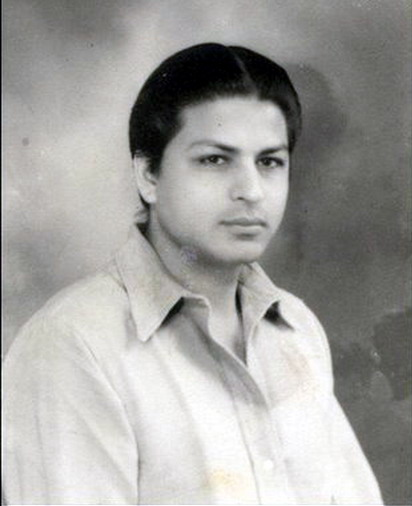 Childhood pictures of Celebrities Actor Actress: Shahrukh ...