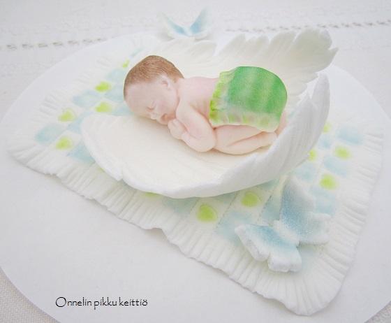 http://www.onnelinpikkukeittio.fi/2014/12/nukkuva-vauva-siipien-suojassa.html