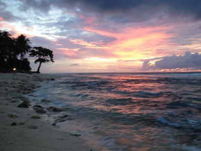 sunset di pantai sikunyit