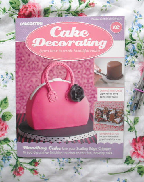 Cake Decorating Magazine   Issue 12            Victoria s Vintage Blog Issue 12 of Cake Decorating magazine was released this week  and it comes  with a free scallop edge crimper  The crimper can be used to add decorative  detail