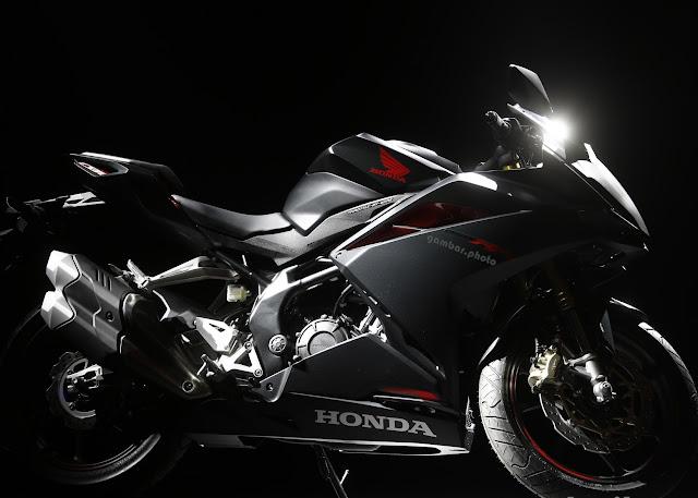 Honda CBR250RR 2016 warna Hitam