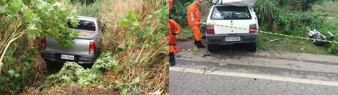 Colisão entre Toyota/Hilux e Fiat Uno na BR 135 termina com uma pessoa morta