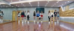 practice dance kpop rooms starship entertainment agencies