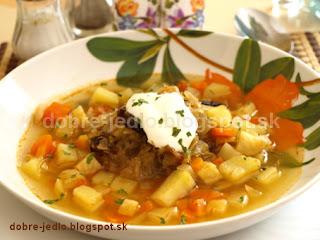 Kapustovo-zeleninová polievka so slivkami - recepty