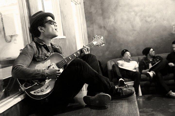 Phương pháp tự học đàn guitar đệm hát hiệu quả cho người mới bắt đầu