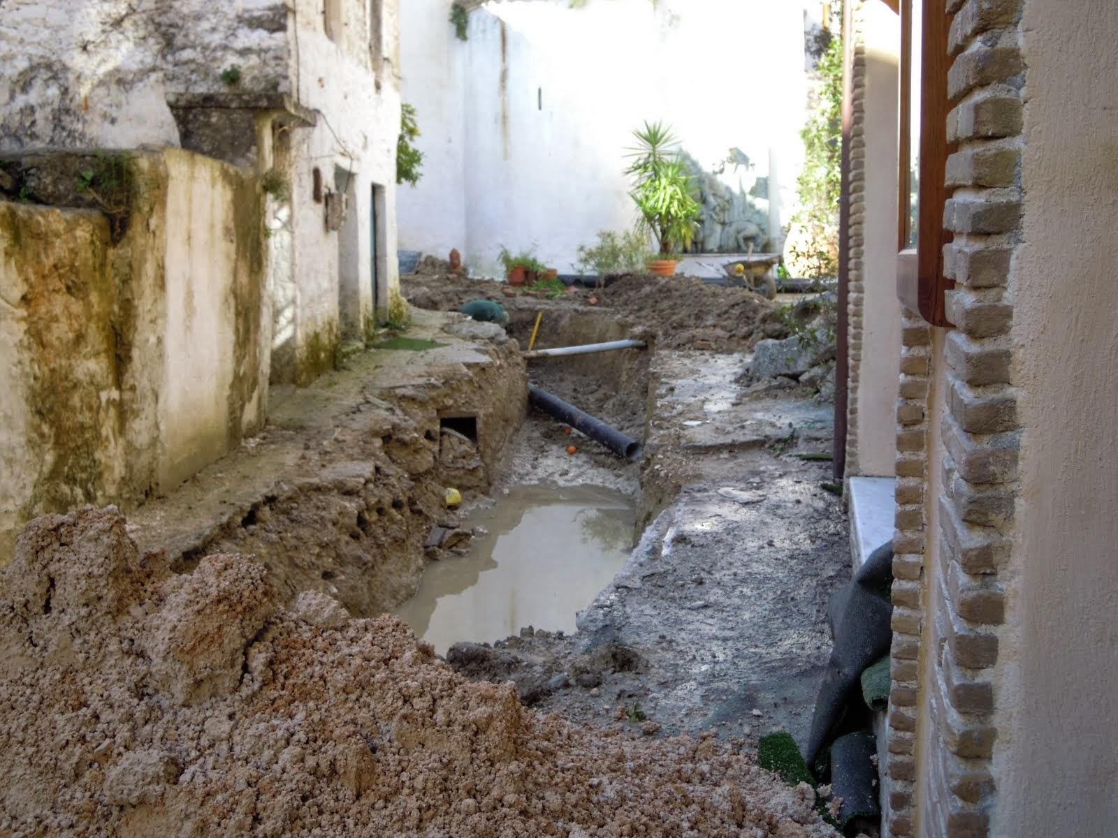KAΣΤΟΡΙΑ - Δείτε τι βρήκαν εργάτες σκάβοντας στα έργα του Δήμου Καστοριάς (Φωτο)