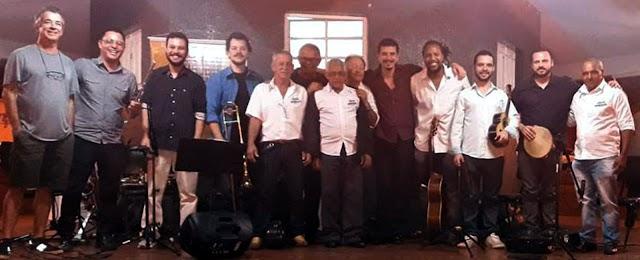 Show de choro com Alan Silva e grupo Ginga Ligeira aconteceu no Largo São João