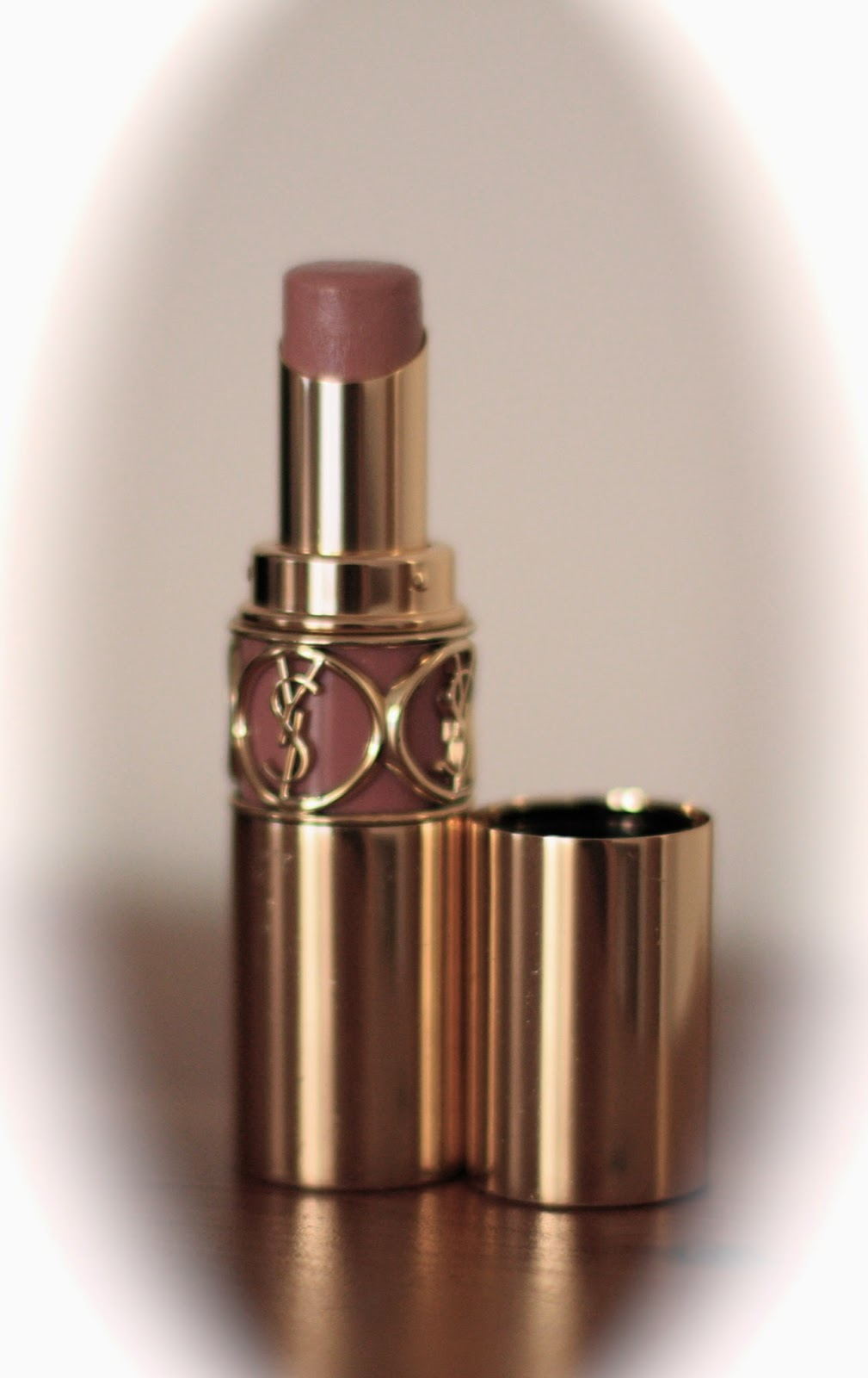My Favourite Nude Lipsticks - YSL Rouge Volupte and L