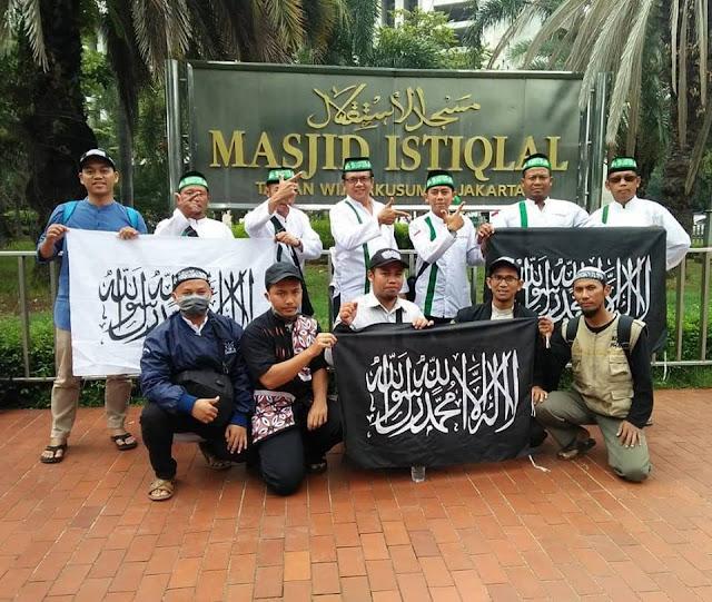 Aksi Bela Tauhid II Acungkan Jari Ala Prabowo-Sandi
