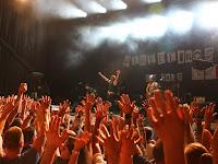 https://musicaengalego.blogspot.com/2019/07/consiertaso-de-heredeiros-da-crus-onte.html