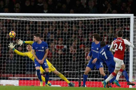 Video Arsenal - Chelsea: Tiệc lớn 4 bàn, trái phá phút 90+2 2