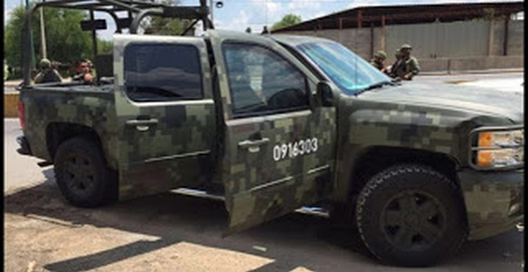 SEDENA Detienen a tres cuazitos y les aseguran armas en la col Guerrero de Nuevo Laredo