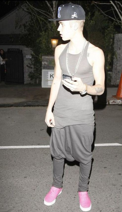 Justin Biebers Diaper Pants Fake Statsthe Truth Is In The