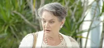 Norma (Selma Egrei) ficará sabendo que o ex-genro precisa de um transplante em Amor Sem Igual
