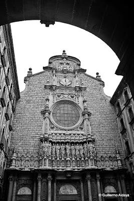 Monasterio de Monserrat (Cataluña, España), by Guillermo Aldaya / AldayaPhoto
