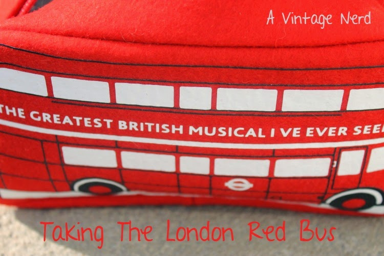 A Vintage Nerd, London Bus Purse, Retro Fashion Blog, Vintage Blog, New York Fashion Blog