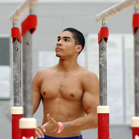 male gymnast wardrobe malfunction