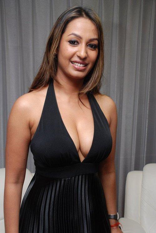 kashmira shah boobs