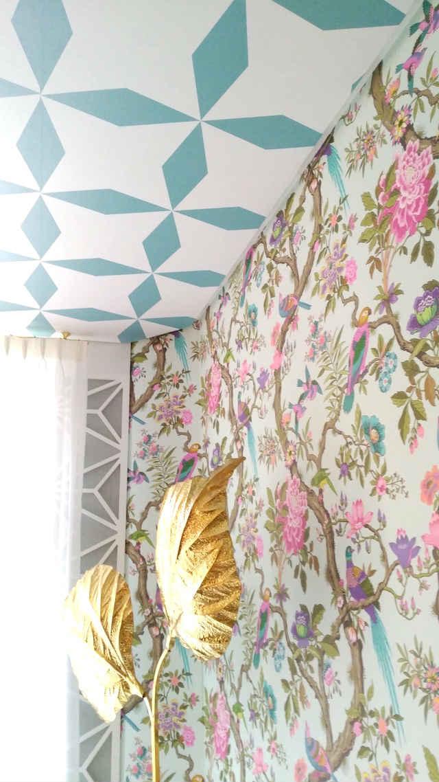 Papel pintado techo y paredes, y celosías