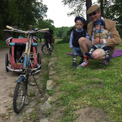 Eine ganz besondere Vaterstagstour: Im feinen Zwirn durch Hamburg