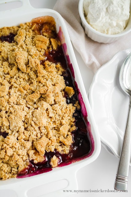 My Name Is Snickerdoodle: Peach and Blueberry Crisp
