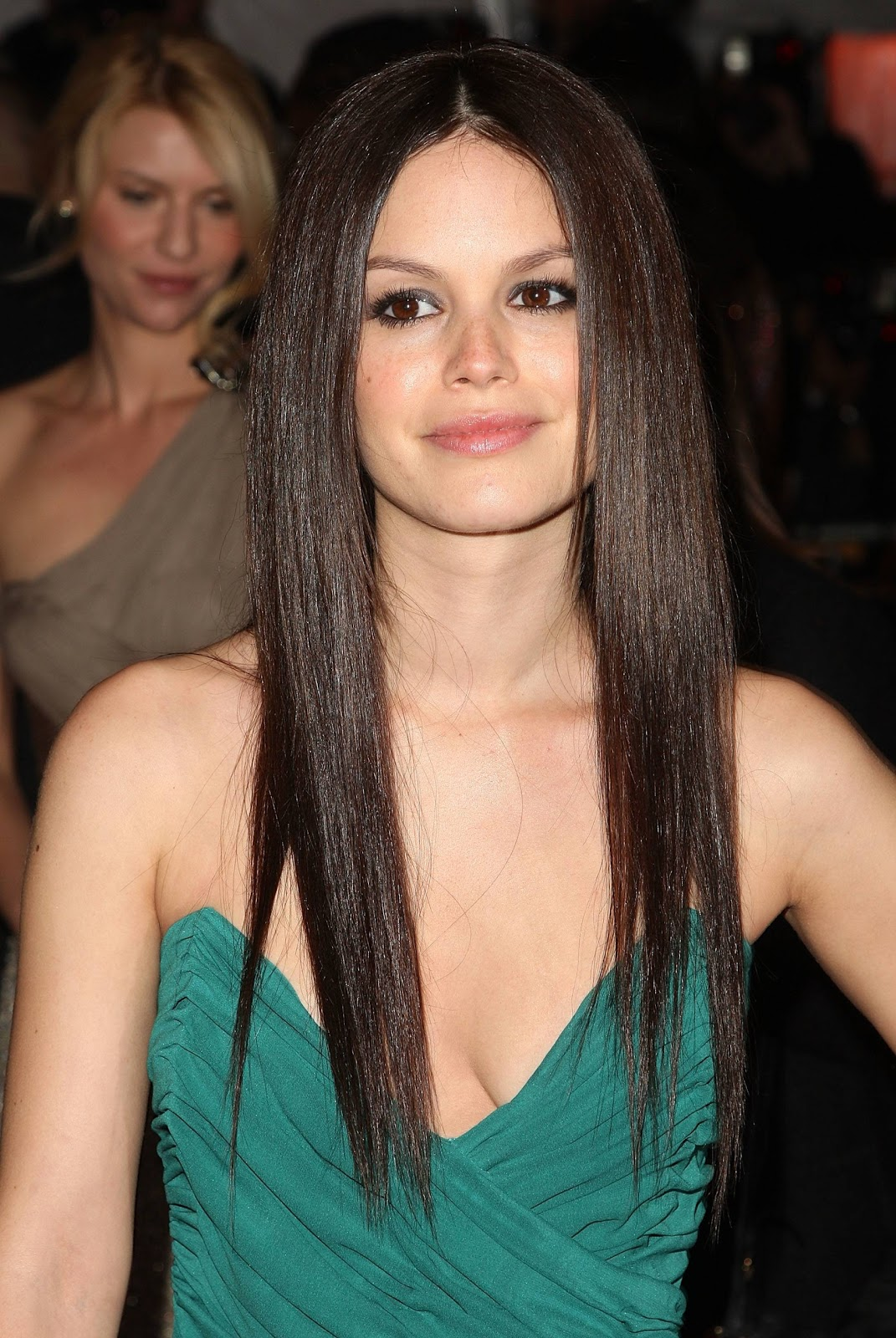 New straight hairstyles for prom ~ Prom Hairstyles