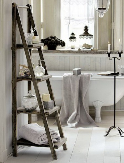 Ideas for decorating with old wooden ladders 7