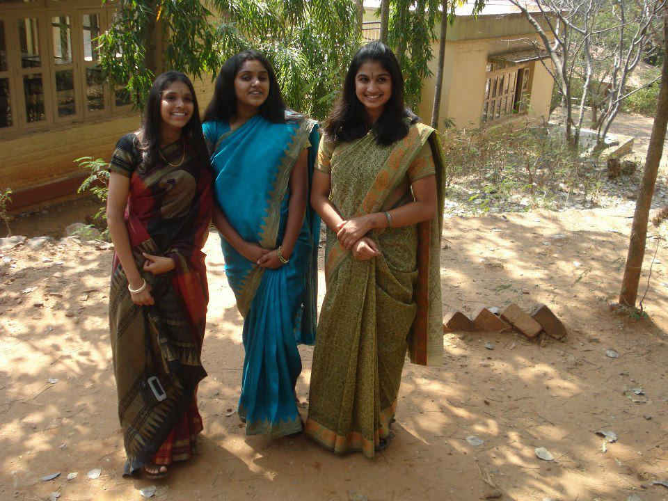 Beautiful Indian Girls Homely College Girls In Group -8466
