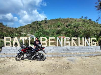 akcayatour, Pantai Batu Bengkung, Travel Jogja Malang, Travel Malang Jogja